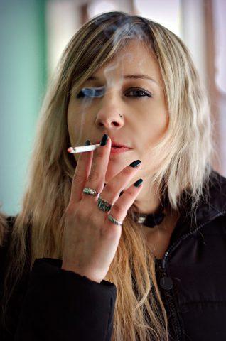 smokes-3185982_640