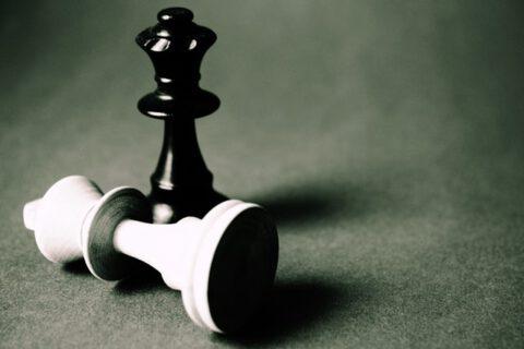 black-queen-chess-piece-129742
