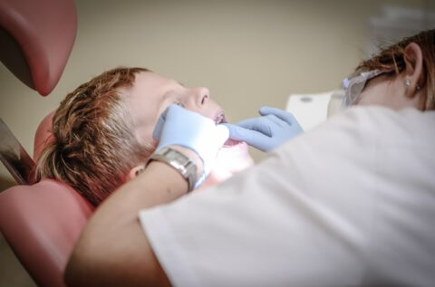 pain-armchair-dentist-suffering-52527 (1)